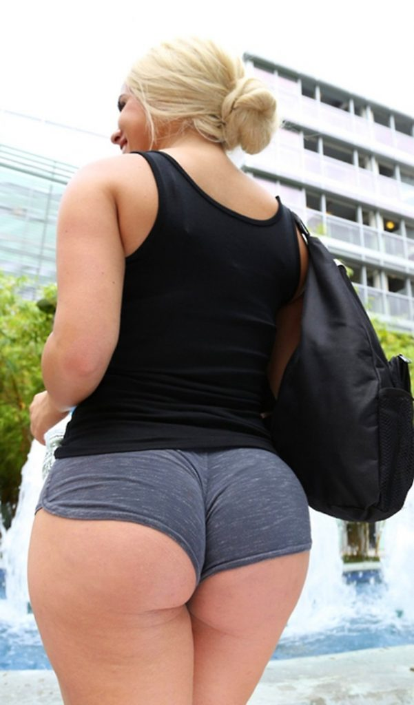 PAWG In Booty Shorts - Fuck Yeah Curvy Girls